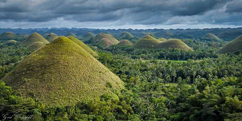 The Chocolate Hills near Carmen on Bohol Island